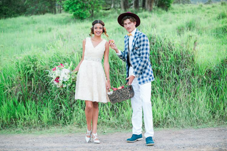 Quirky Vintage Kiss Wedding Ideas http://www.sarahheartsphotography.com/