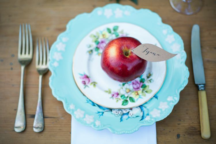Apple Place Name Setting Decor Quirky Vintage Kiss Wedding Ideas http://www.sarahheartsphotography.com/