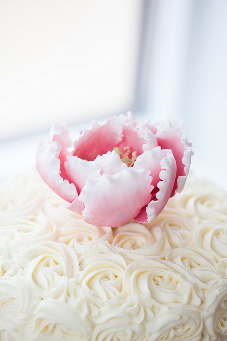 Swirl Buttercream Cake Peony Icing Topper Bright Fresh Mexican Inspired Wedding http://www.photographybykatie.co.uk/