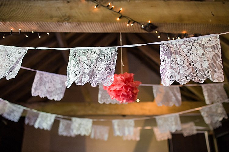 Lace Wedding Bunting Ideas Decor Decoration http://www.binkynixon.com/