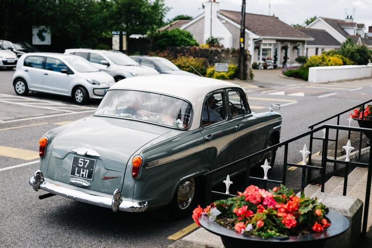 Classic Car Relaxed DIY Pastel Wedding http://www.honeyandthemoonphotography.co.uk/