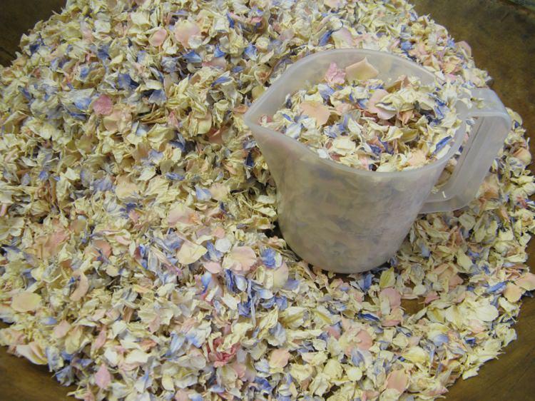 Bespoke Confetti. Credit- The Real Flower Petal Confetti Company