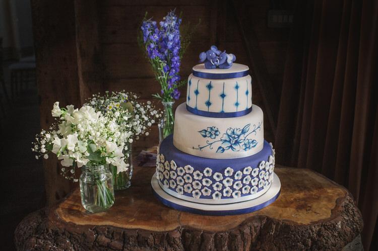 Cake Pretty Blue Country Barn Spring Wedding http://karenflowerphotography.com/
