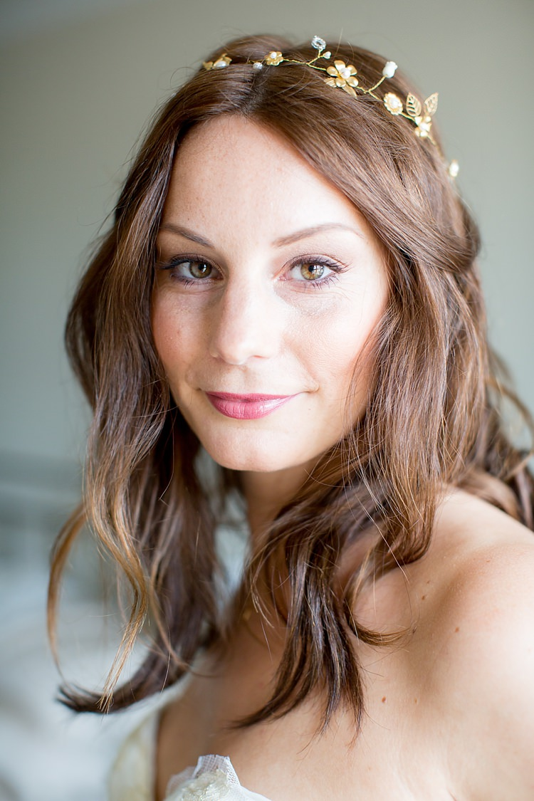 Make Up Bride Bridal Hair Waves Headdress Halo Natural Soft Stylish Luxe Wedding http://www.katherineashdown.co.uk/
