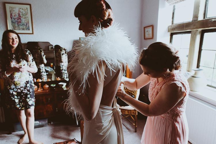 Feather Stole Bolero Bride Bridal Accessory Cover Up Alternative Vintage Glamorous Wedding www.photo.shuttergoclick.com
