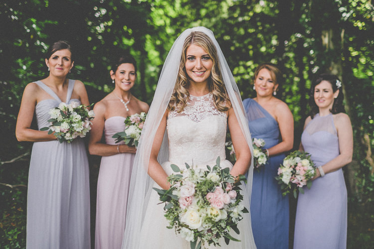 Chilled Stylish Countryside Wedding http://mementophotography.ie/
