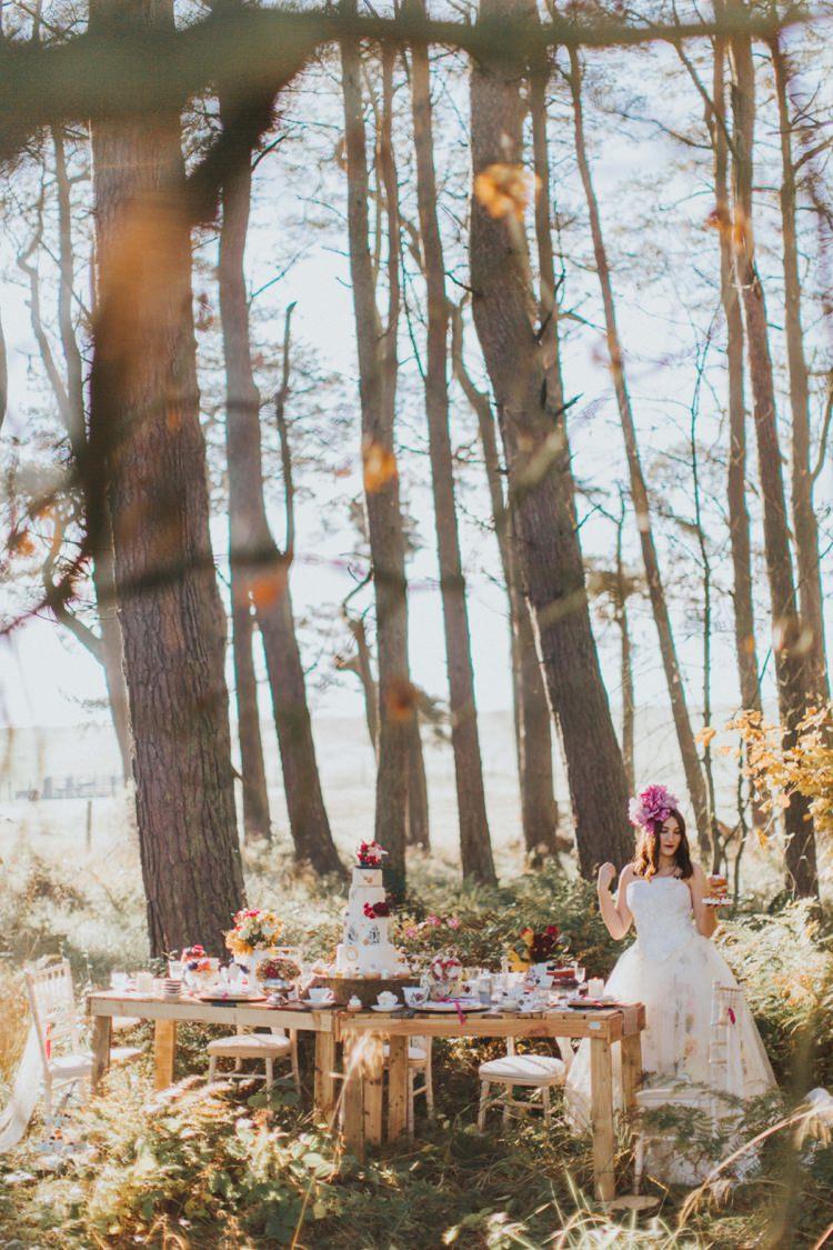 Outdoor Woods Table Breakfast Decor Alice in Wonderland Wedding Ideas http://nataliepluck.com/
