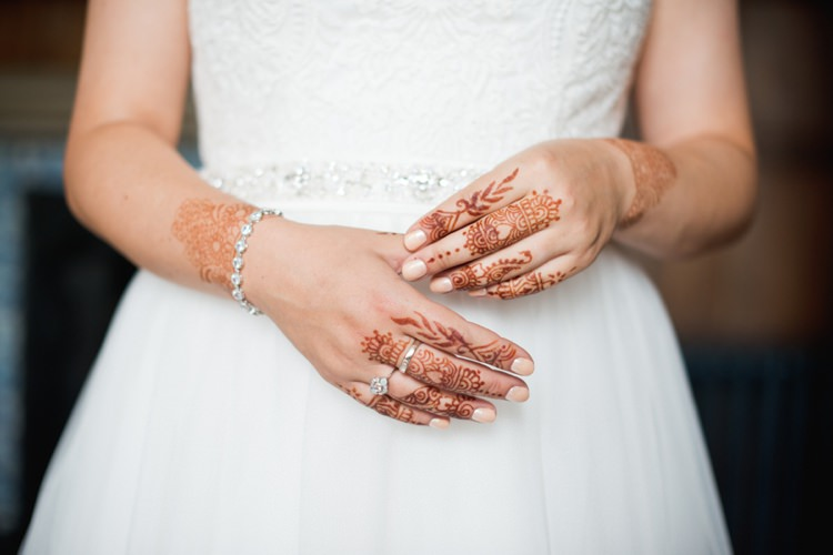 Henna Bride Bridal Hands Colourful Pastel Sequin Wedding http://www.laurapower.co.uk/