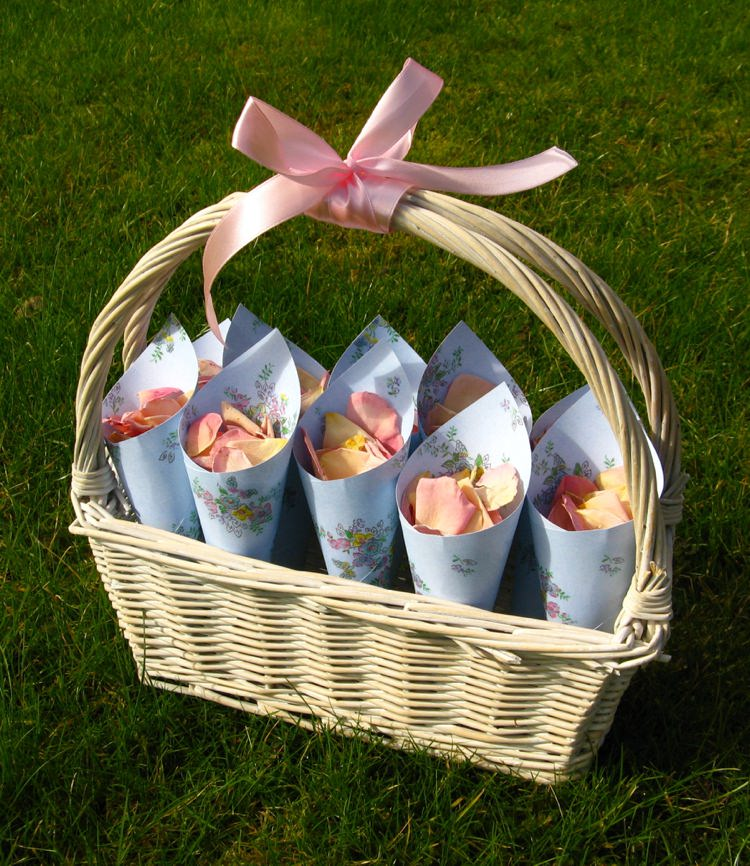 Vintage Confetti Basket. Credit- The Real Flower Petal Confetti Company