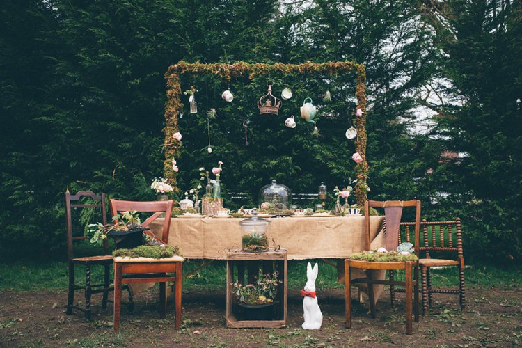 Tables Rustic Moss Decor Hessian Burlap Frame Backdrop Natural Festival Tipi Wedding Ideas http://www.katemccarthyphotography.co.uk/