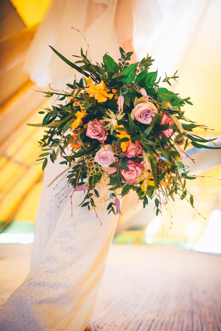 Bouquet Flowers Bride Bridal Roses Pink Foliage Natural Festival Tipi Wedding Ideas http://www.katemccarthyphotography.co.uk/