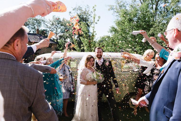 Confetti Throw Vintage Country Fete Farm Wedding http://carolinehancox.co.uk/