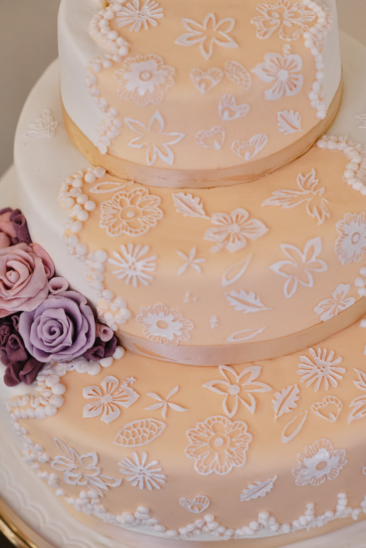 Lace Flowers Cake Vintage Country Fete Farm Wedding http://carolinehancox.co.uk/