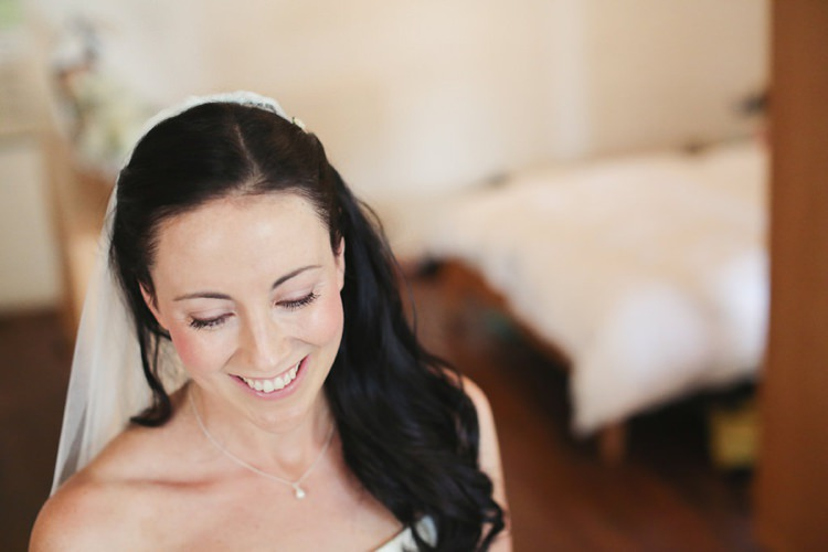 Make Up Bride Bridal Hair Natural Pretty East London Party Pub Wedding http://www.haywoodjonesphotography.co.uk/