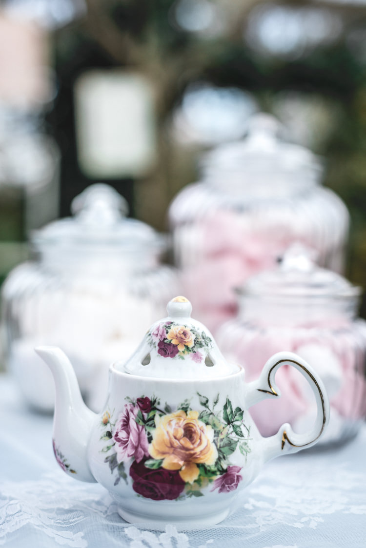 Fun 1950s Pastel Wedding Ideas http://www.bernipalumbo.com/