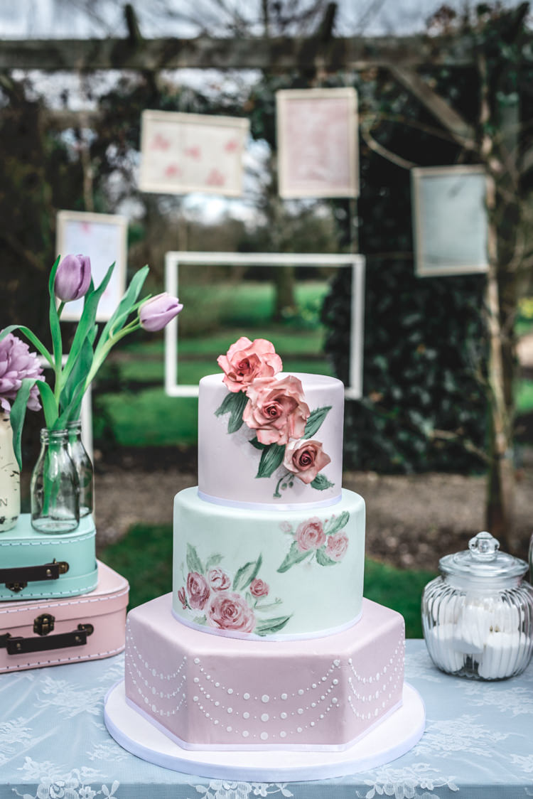 Painted Floral Cake Vintage Retro Fun 1950s Pastel Wedding Ideas http://www.bernipalumbo.com/