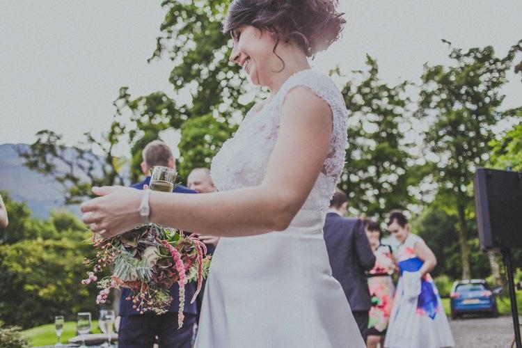 Natural Beautiful Autumn Outdoor Wedding http://www.johnelphinstonestirling.com/