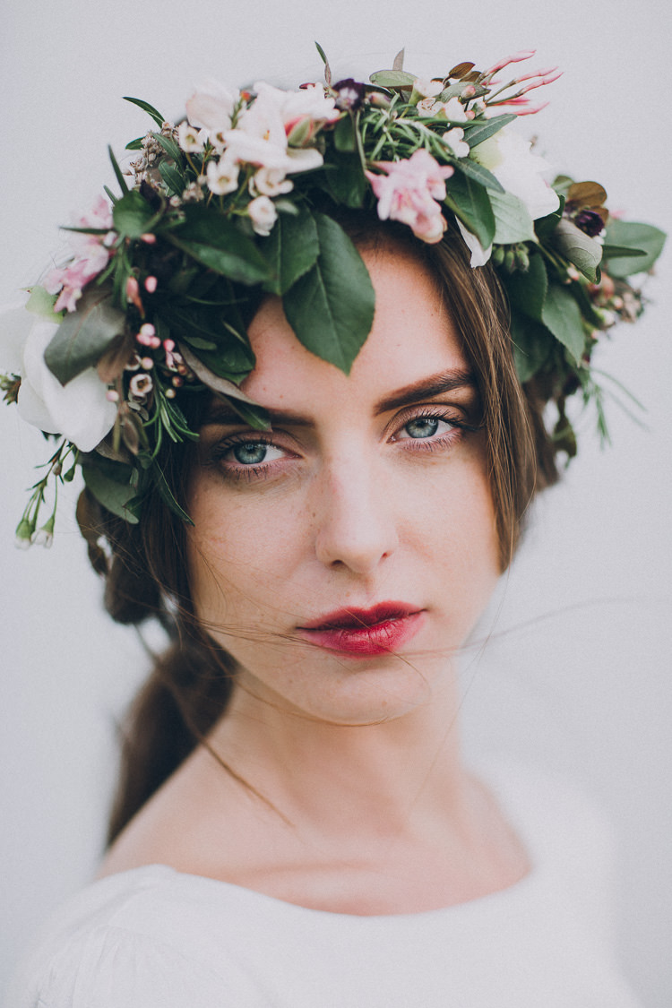 Make Up Bride Bridal Red Berry Lips Soft Natural Woodland Wedding Ideas http://www.matthoranphotography.com/