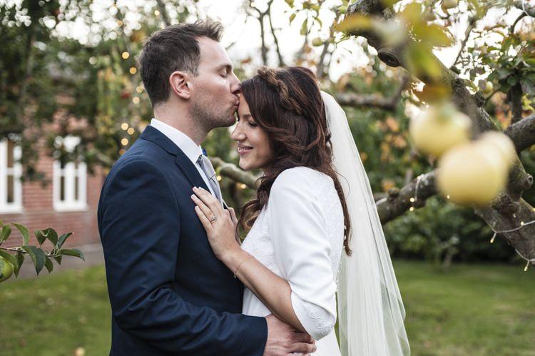 Vintage Cornflower Blue Wedding http://eleanorjaneweddings.co.uk/