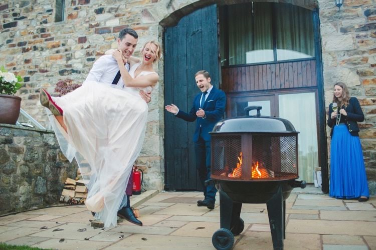 Fun DIY Back Garden Party Wedding http://www.motiejus.com/