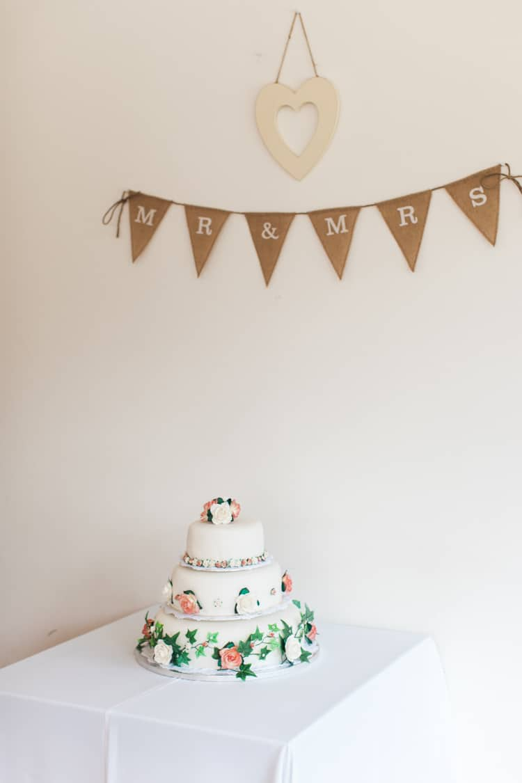 Cake Table Bunting Fresh Pretty Humanist Wedding http://summerlilystudio.com/
