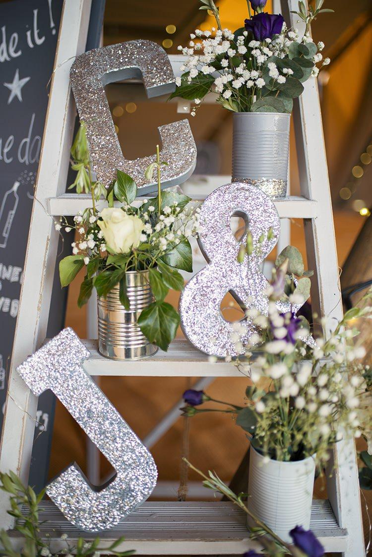 Romantic rustic country tipi wedding whimsical for Decoracion de casas sencillas y economicas