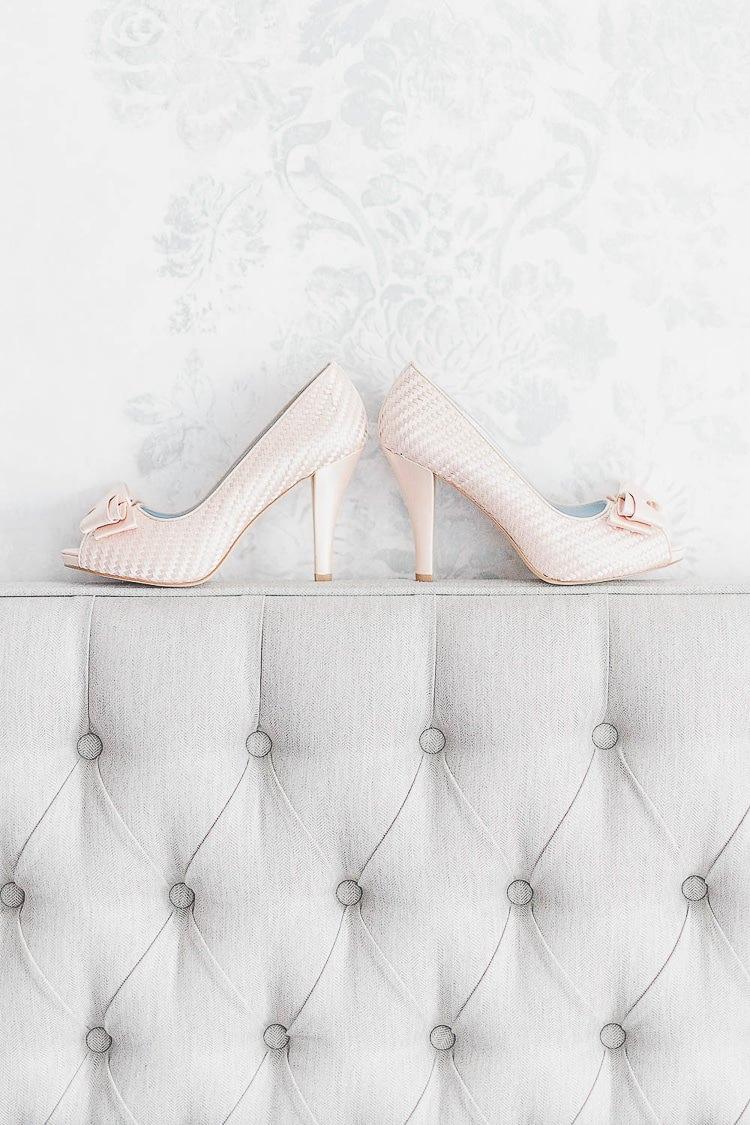 Shoes Heels Bride Bridal Bows Outdoorsy Nature Pretty Pink Wedding http://whitestagweddings.com/