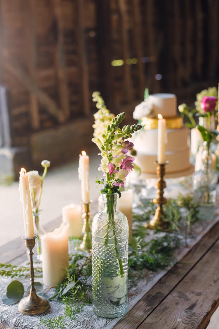 wedding cake centerpieces boho blossom summer wedding ideas whimsical 22175