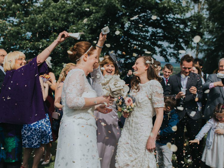 Confetti Throw Creative Relaxed Child Friendly Wedding http://www.brookrosephotography.co.uk/