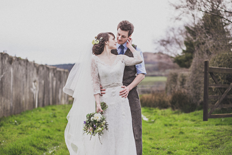 Pretty DIY Farm Wedding http://www.johnelphinstonestirling.com/