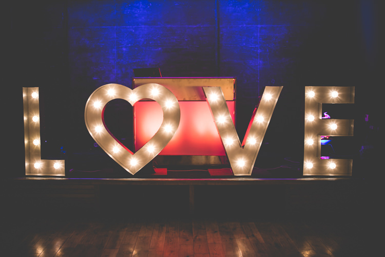 LOVE Letter Lights Sign Romantic Coral Summer Wedding http://www.ljm-photography.co.uk/