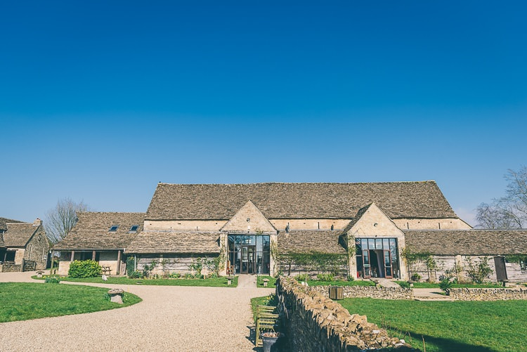The Great Tythe Barn Cotswolds Eclectic Colour Pop Barn Wedding http://www.robtarren.co.uk/