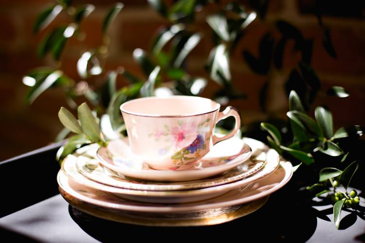 Vintage Tea Cup Plates Pink Rose Gold Décor Greenery Romantic Vintage Wedding Ideas http://katymurrayphotography.com/