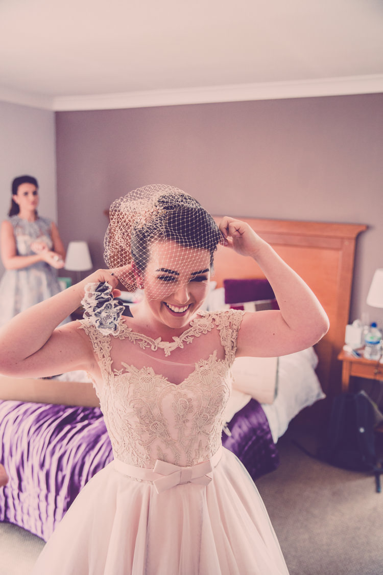 Birdcage Veil Bride Bridal Accessory Alternative Game of Thrones Fete Wedding http://hayleybaxterphotography.com/