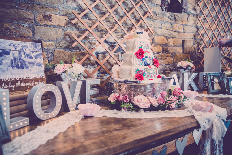 Cake Table Alternative Game of Thrones Fete Wedding http://hayleybaxterphotography.com/
