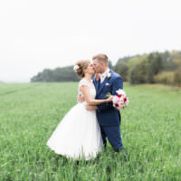 Beautiful Barn Bird Wedding http://www.melissabeattie.com/