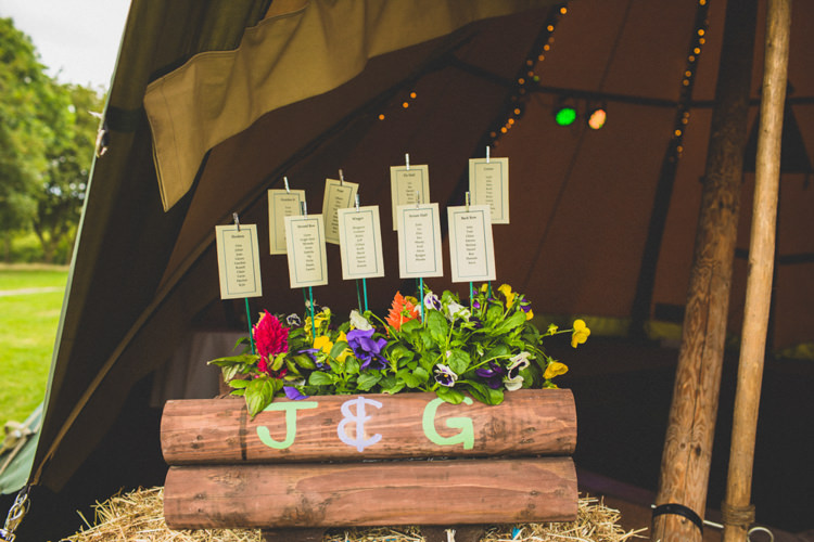 Crate Flowers Table Seating Plan Chart Rustic Tipi Farm Wedding http://aniaames.co.uk/