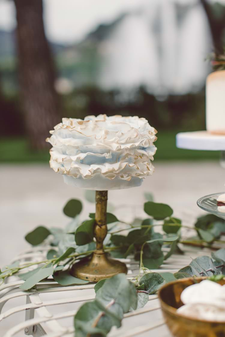Groom's Cake Light Blue Ruffles Gold Stand Greenery Dessert Table Breathtaking Lake Como Wedding Ideas http://lillyred.it/