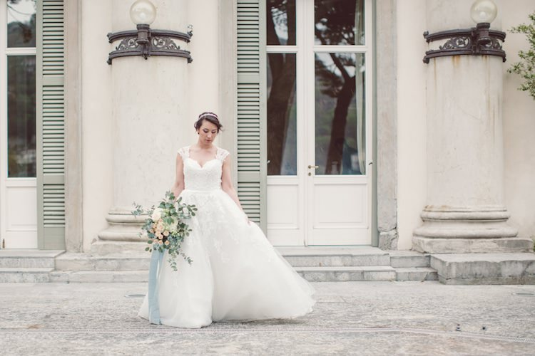 Bride Lace Tulle Kikka Spose Bridal Gown Bouquet Cream Blush Roses Eucalyptus Flowers Vila Geno Breathtaking Lake Como Wedding Ideas http://lillyred.it/