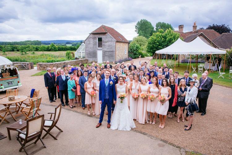 Peaches Mint Stylish Floral Wedding http://www.sarahleggephotography.co.uk/