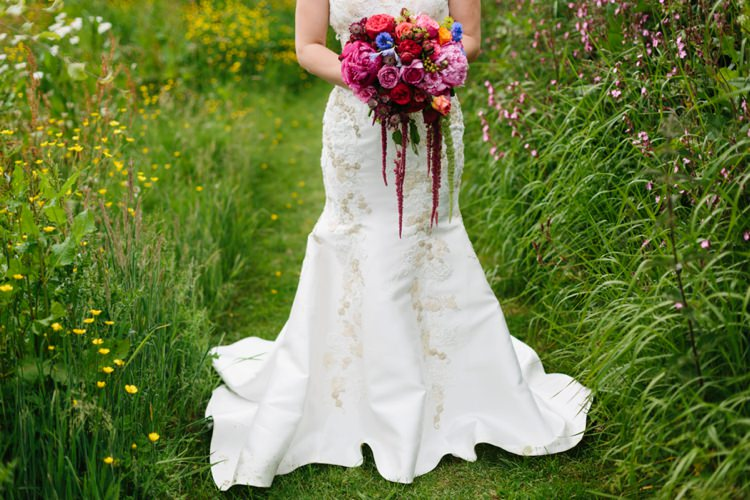 Burgundy Red Trailing Bouquet Flowers Bride Bridal Beautiful Outdoor Country House Wedding http://www.christinewehrmeier.com/