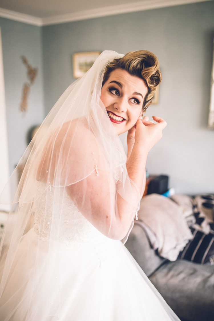 Hair Make Up Bride Bridal Veil Retro 1950s Vintage Wedding http://amyfaithphotography.com/