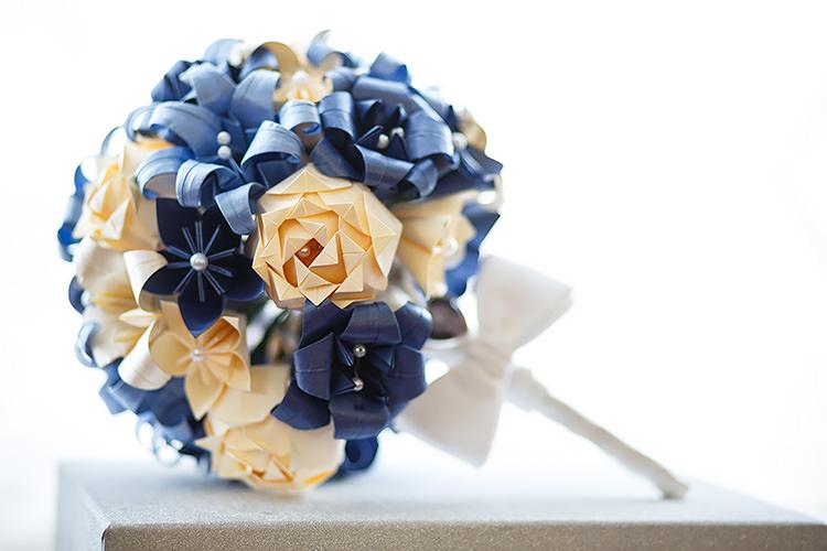 Paper Flower Bouquet Navy Vintage Doctor Who Wedding http://www.linaandtom.com/