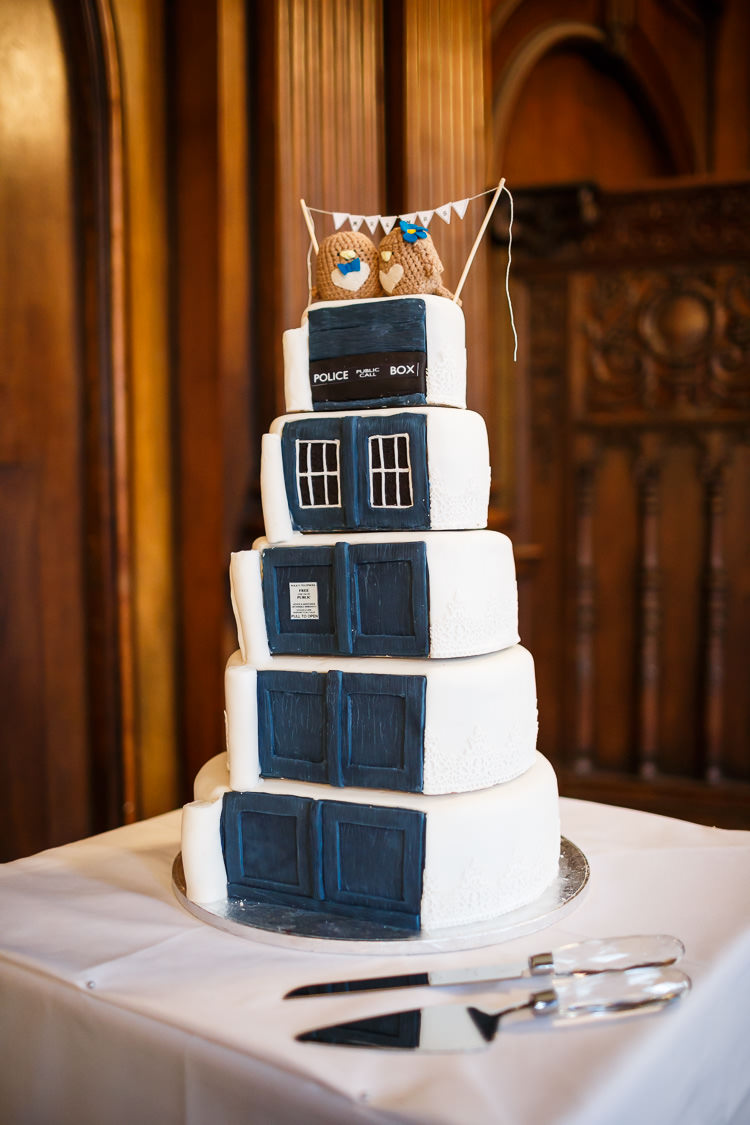 Tardis Cake Vintage Doctor Who Wedding http://www.linaandtom.com/