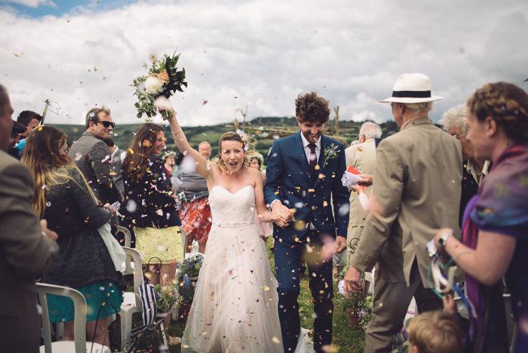 Confetti Throw Outdoor Countryside Fair Wedding http://www.jennawoodward.com/