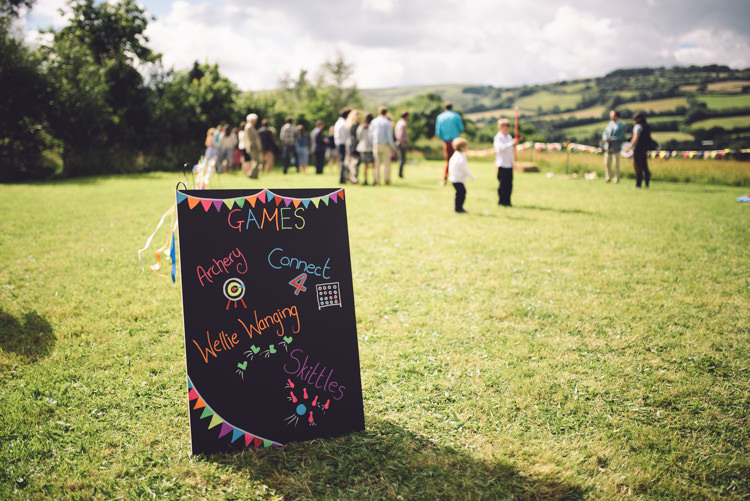 Fete Games Entertainment Outdoor Countryside Fair Wedding http://www.jennawoodward.com/