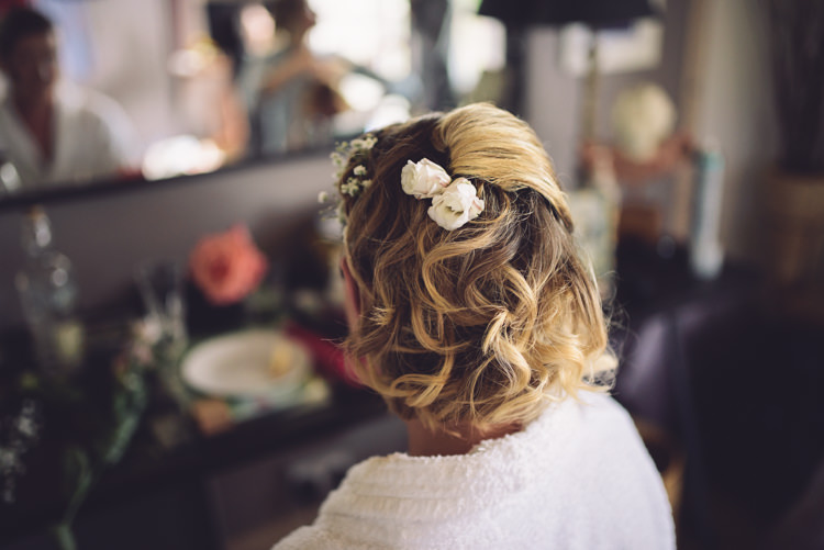Bride Bridal Hair Short Waves Flowers Outdoor Countryside Fair Wedding http://www.jennawoodward.com/