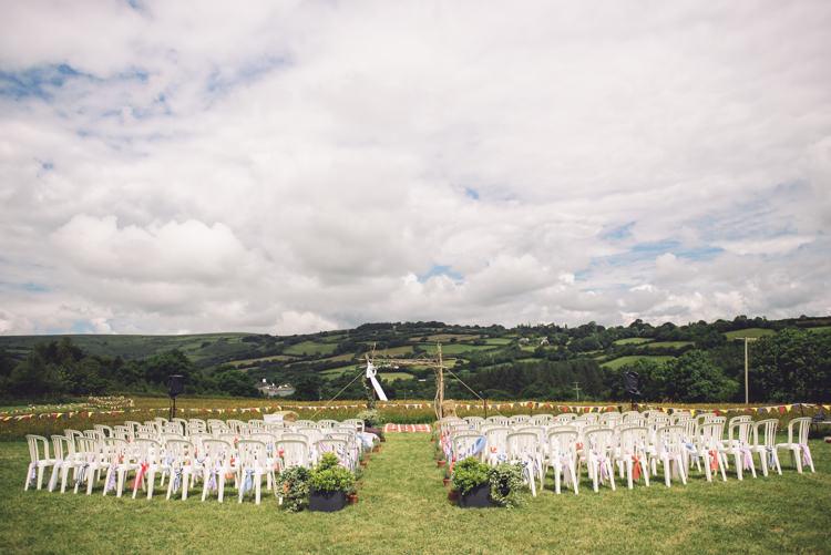 Field Devon Humanist Outdoor Countryside Fair Wedding http://www.jennawoodward.com/