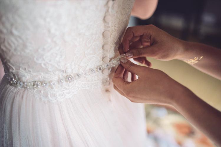 Belt Bride Bridal Accessory Outdoor Countryside Fair Wedding http://www.jennawoodward.com/
