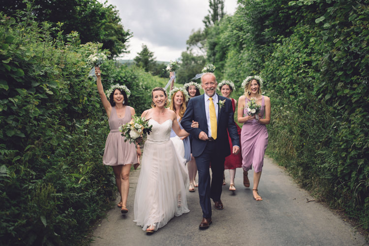 Walking Cerermony Outdoor Countryside Fair Wedding http://www.jennawoodward.com/